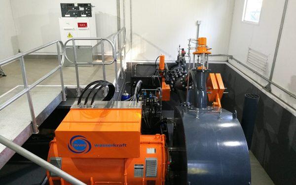 Hoch effiziente Pelton Turbine mit 2 Düsen