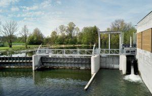 Wehrklappe Schütztafel Hydraulikzylinder Stahlwasserbau