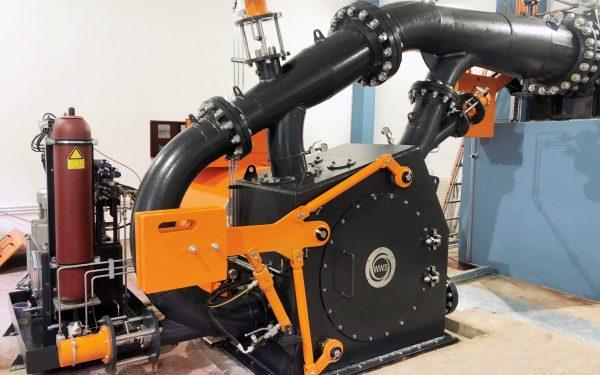 Kundenspezifisch Pelton Turbine mit 3 hydraulisch regulierten Düsen